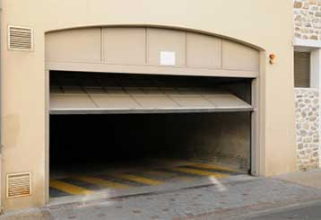 Dealing With A Noisy Garage Door | Garage Door Repair Apopka, FL
